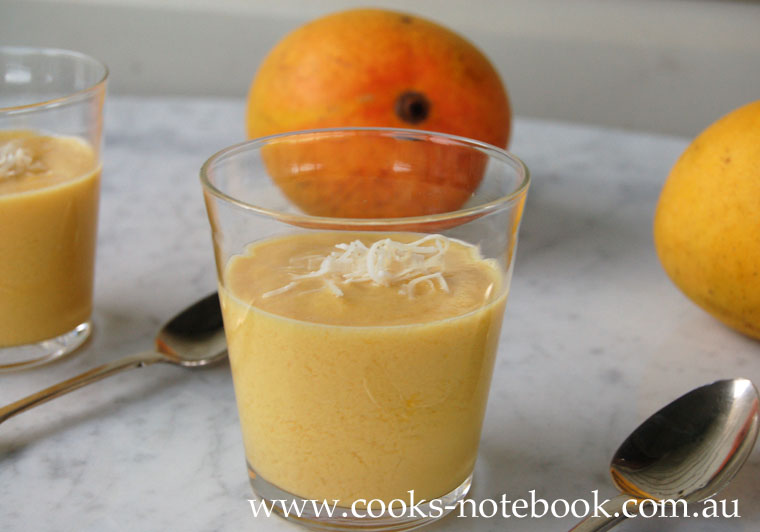 In my Thermomix: Mango custard