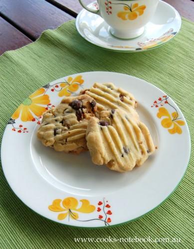 Pecan and chocolate shortbread